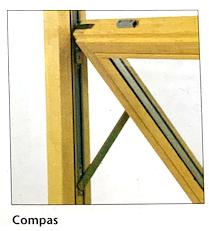 Illustration d'une fenêtre à mécanisme d'ouverture par compas
