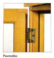 Illustration d'une fenêtre à mécanisme d'ouverture par paumelles