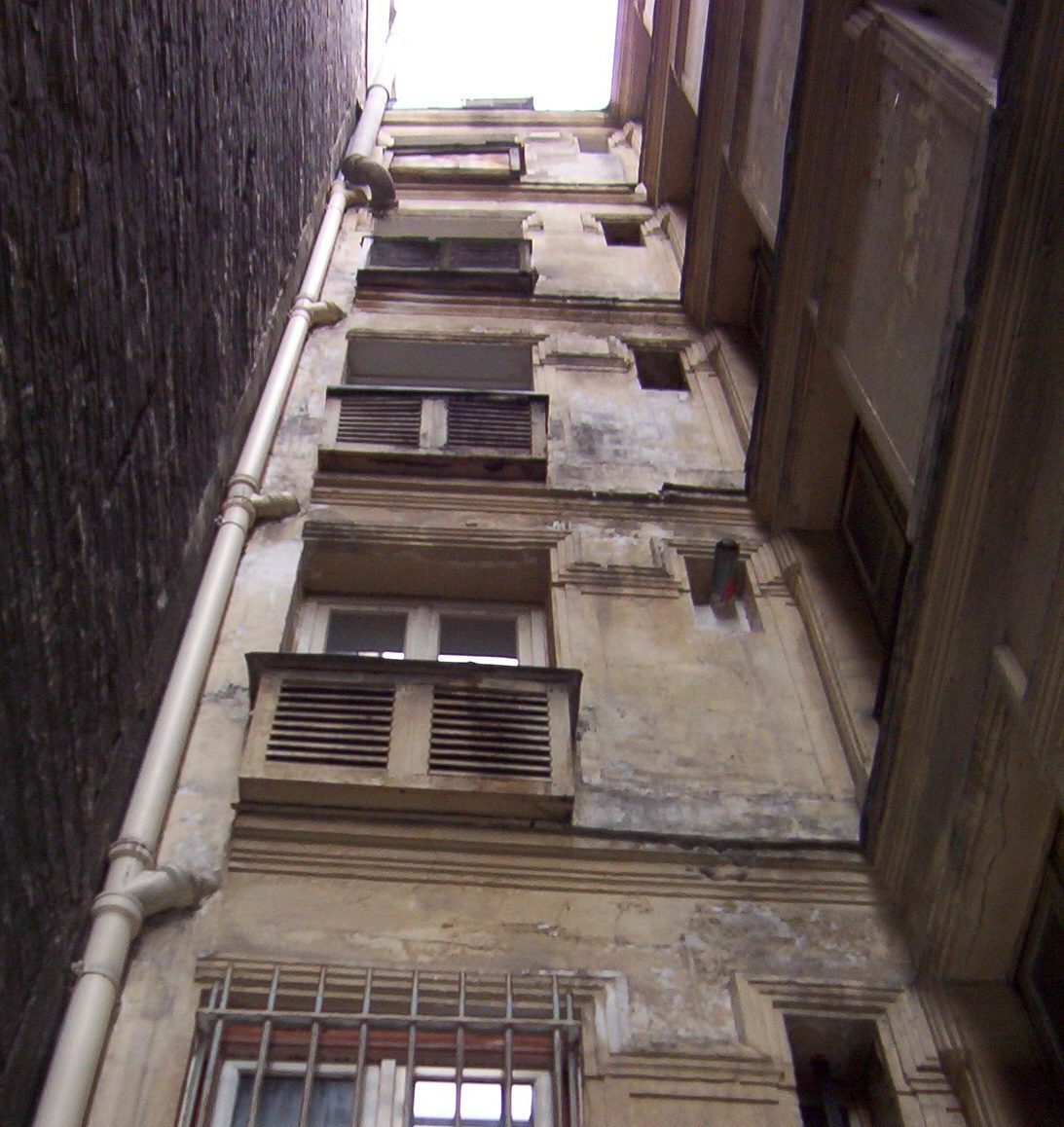 Références - Façade avant travaux d'un immeuble parisien